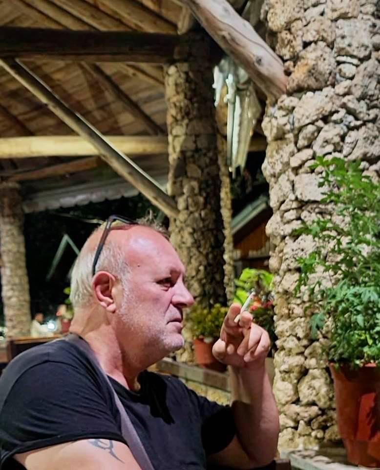 Punonte për agjencinë e njohur Reuters/ Ndërron jetë fotoreporteri i njohur Arben  Çeli (FOTO) - Shqiptarja.com