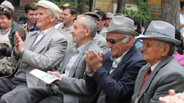 Shqipëria po plaket, gjatë vitit 2018, 14 mijë pensionistë më shumë