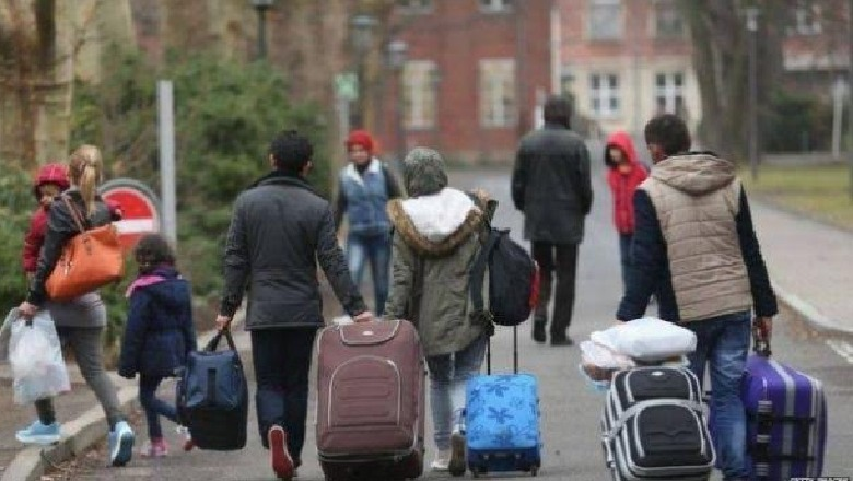 Emigracioni shqiptar në Itali/ Raporti vjetor i Ministrisë së Punës dhe  Politikave Sociale Italiane - Shqiptarja.com