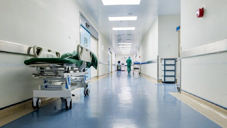 Tiranë/ Gjendet pa shenja jeta në hollin e një spitali privat ndihmës  anestezisti - Shqiptarja.com