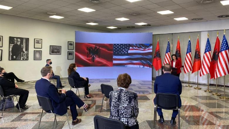 Kim: 30 vite më parë Shqipëria ishte Koreja e Veriut e Europës, sot aleate e palëkundur! Xhaçka: Pa SHBA , reforma në drejtësi e pamundur - Shqiptarja.com